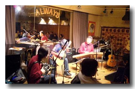 写真右端から 小松崎さん、浜田さん、吉田さん
