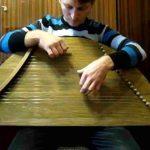 楽器動画: Gusli Russian Psaltery (ロシアのソルタリー系楽器)の演奏 3