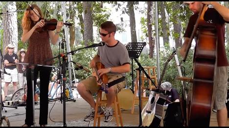 楽器動画:Aaron O'rourke さんのAppalachian dulcimer