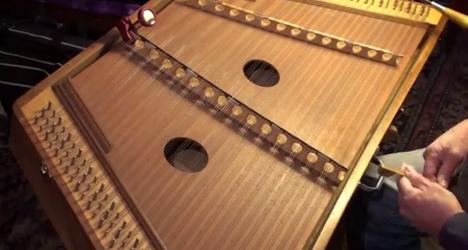 楽器動画:Bill Spenceさんのハンマーダルシマー