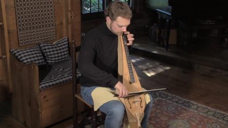 楽器動画:静かなブーム Bowed Dulcimer (弓弾きダルシマー)