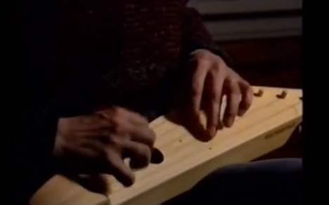 楽器動画:冬はやっぱりKantele (カンテレ)