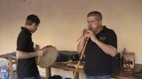 楽器動画:バグパイプの祖先(Launeddas)