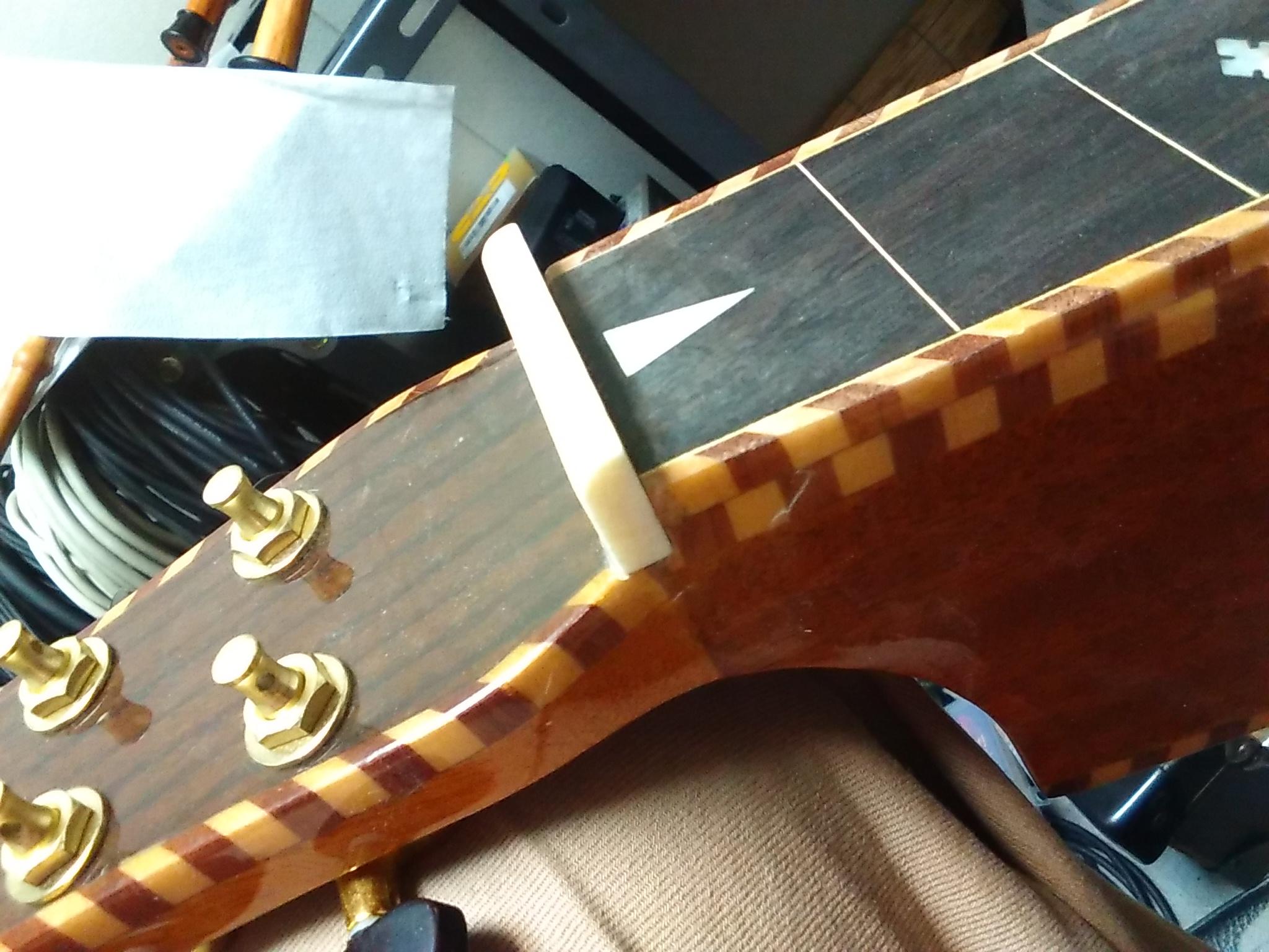ワイゼンボーンスタイルのギターの補修