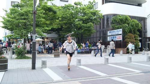 三軒寺広場(走っているのはBOFのまちゃ(^_^.))