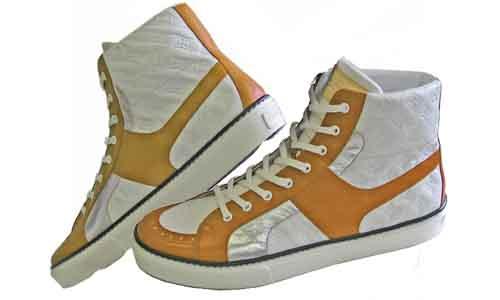靴を脱ぐと臭ってくる足のニオイに(^_^.)ちょっとした防御策を幾つか