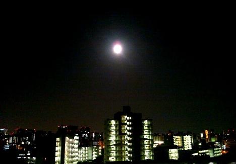 満月なので月にまつわる曲を少し集めてみました(^_^.)