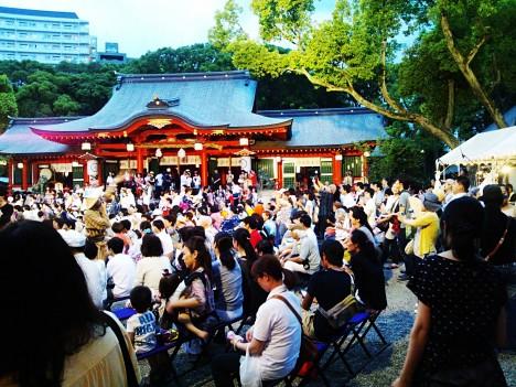 日曜日は神戸生田神社でお祭りやってました。 何故か沖縄風味 (*^_^*)